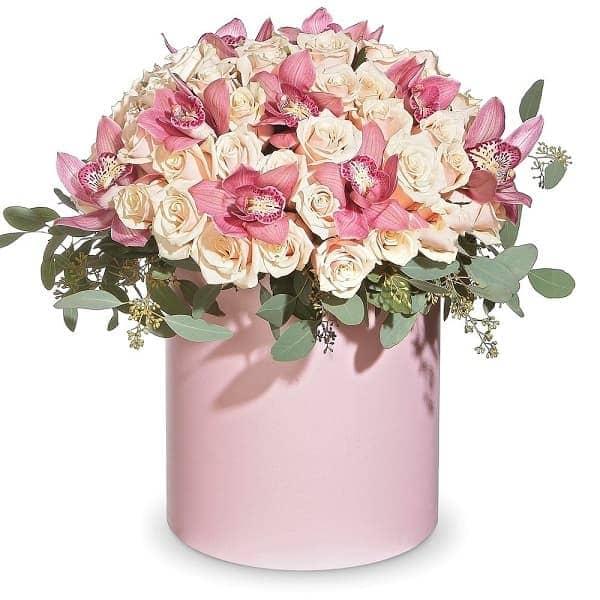 """Цветы в коробке """"Огромная Радость"""""""