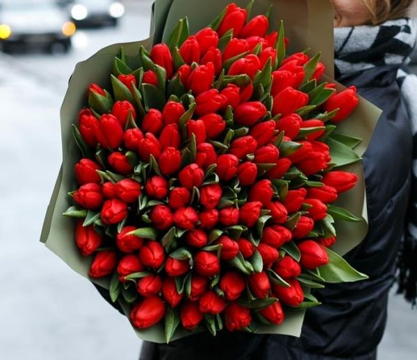 """Букет """" 101 Красный Тюльпан"""""""