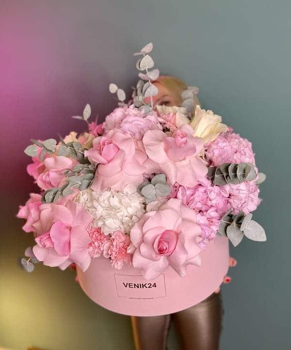 """Цветы в коробке Premium """"Фэнтези скайс"""""""
