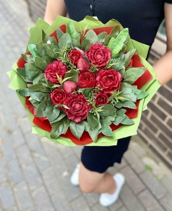 """Вечный букет """"Алые розы"""""""